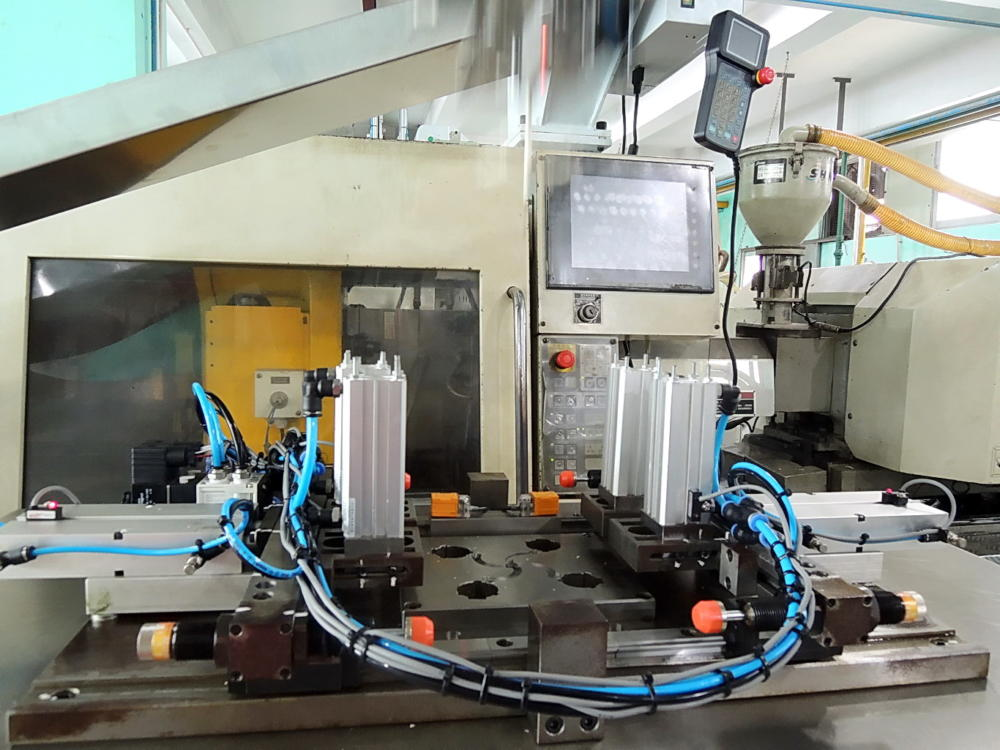plastic-production-3