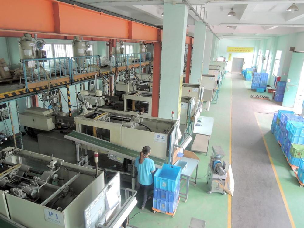 plastic-production-5